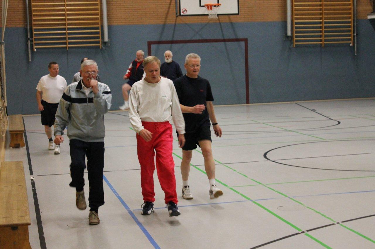 Bewegung und Sportangebote für Seniorinnen und Senioren ausgebaut