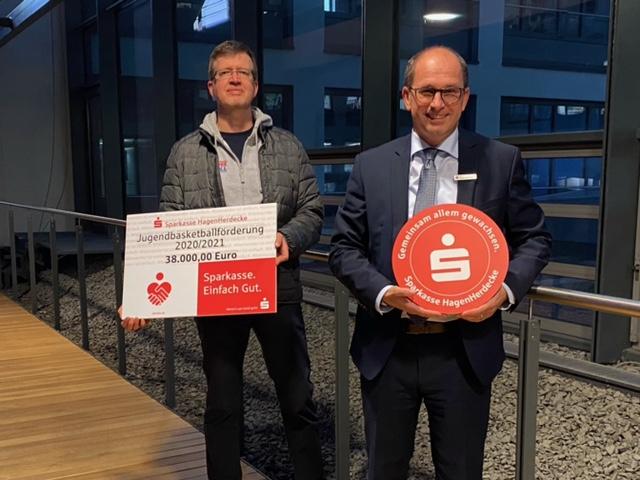 Sparkasse Hagen-Herdecke fördert Jugendbasketball
